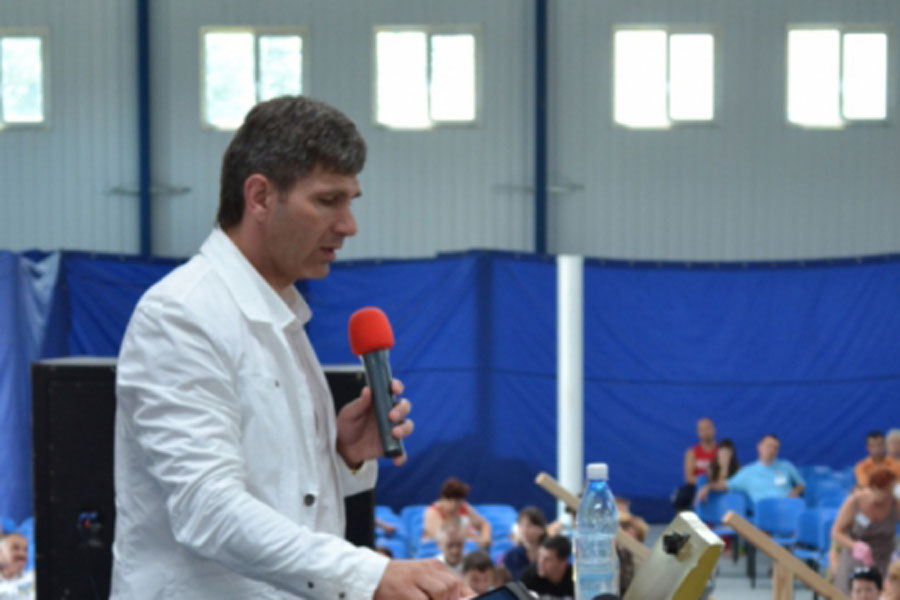 Pastor Vladislav Serikov